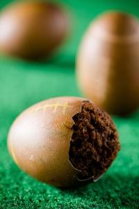 Cupcakes-Baked-Inside-of-Eggshells